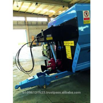 Animal feed cutting machinee / Cow Feed Grass Cutter Machine / Feed Mixer Wagon
